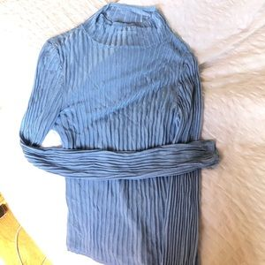 Urban Outfitters Sheer Blue Turtleneck Size M